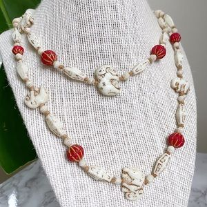 🎉5/20 SALE🎉VTG ivory/red elephant bead necklace